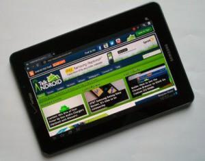 Samsung_Galaxy_Tab_7.7_LTE_TA-420x329