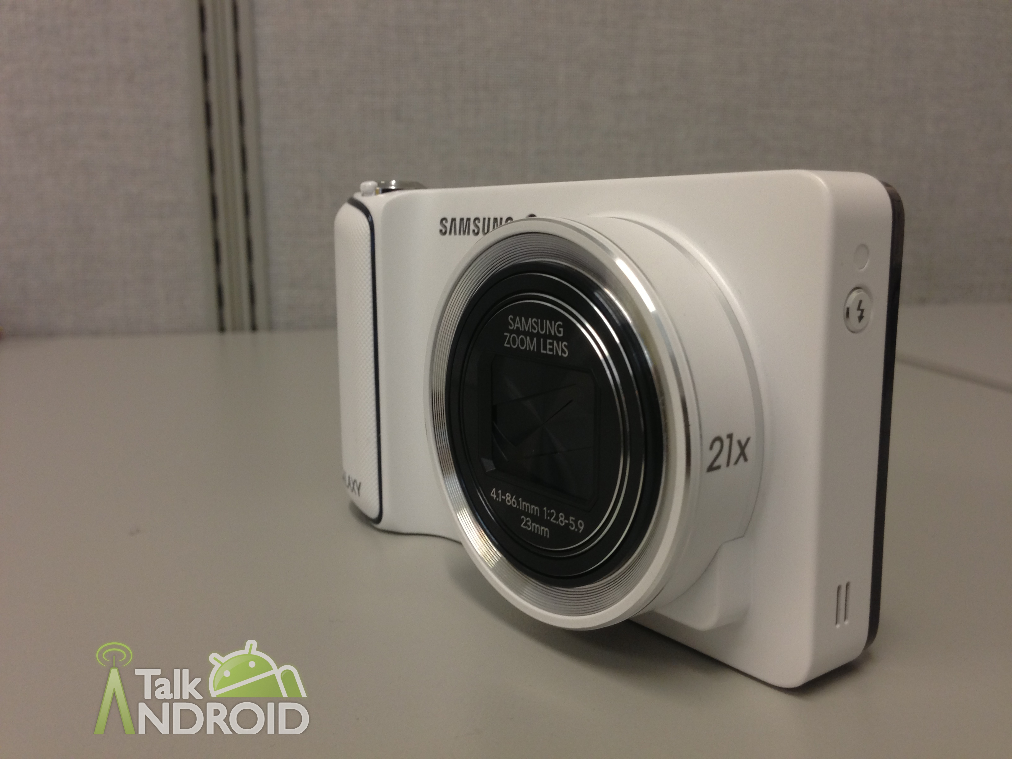 Samsung_Galaxy_Camera_Review_Left_Closeup