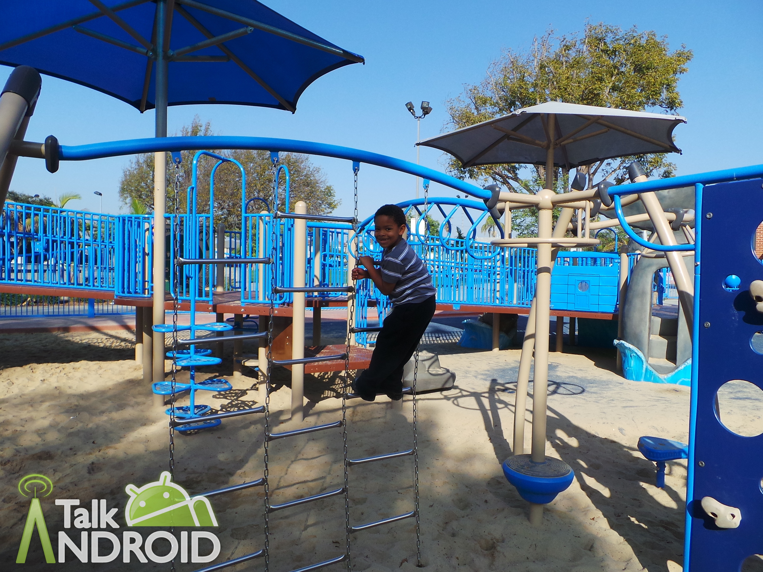 Samsung_Galaxy_Camera_Review_Westchester_Park_Nephew_Smart_Mode