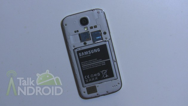 Samsung_Galaxy_S_4_Back_Opened_TA