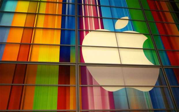 apple_in_color