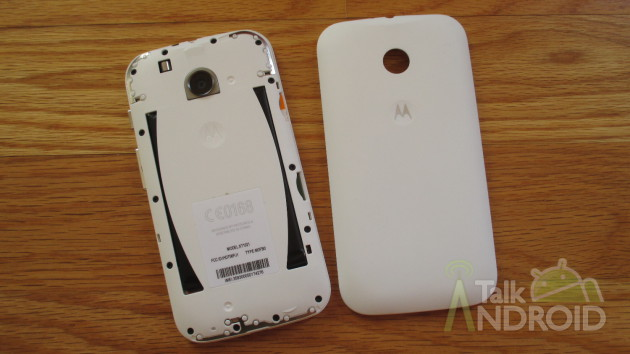 Motorola_Moto_E_Back_Back_Cover_Off_TA