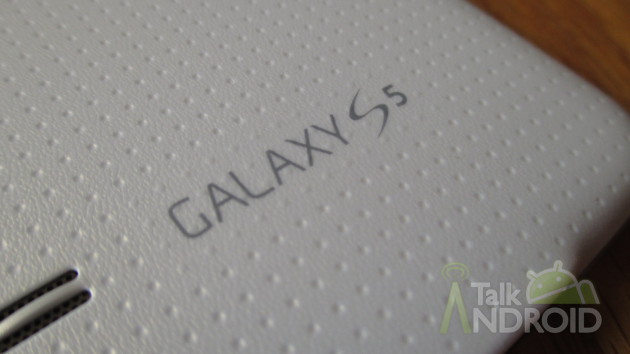 Samsung_Galaxy_S_5_Back_Bottom_Galaxy_S_5_Logo_TA