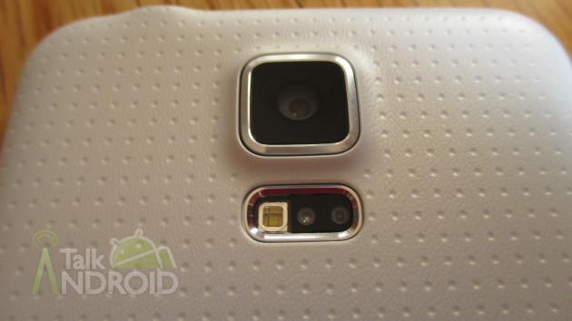 Samsung_Galaxy_S_5_Back_Camera_Heart_Rate_Sensor_TA