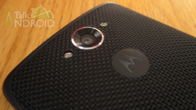 DROID_Turbo_Back_Slanted_Camera_Motorola_Logo_TA