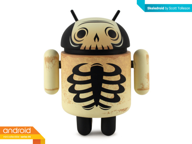 android_mini_collectible_series_05_skeledroid_figurine_front