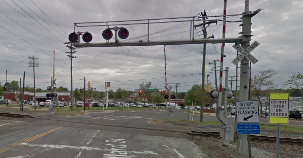 google_maps_street_view_rail_crossing