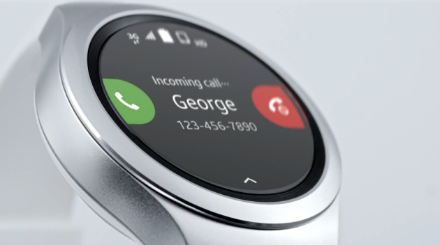 samsung_gear_S2_incoming_call_closeup
