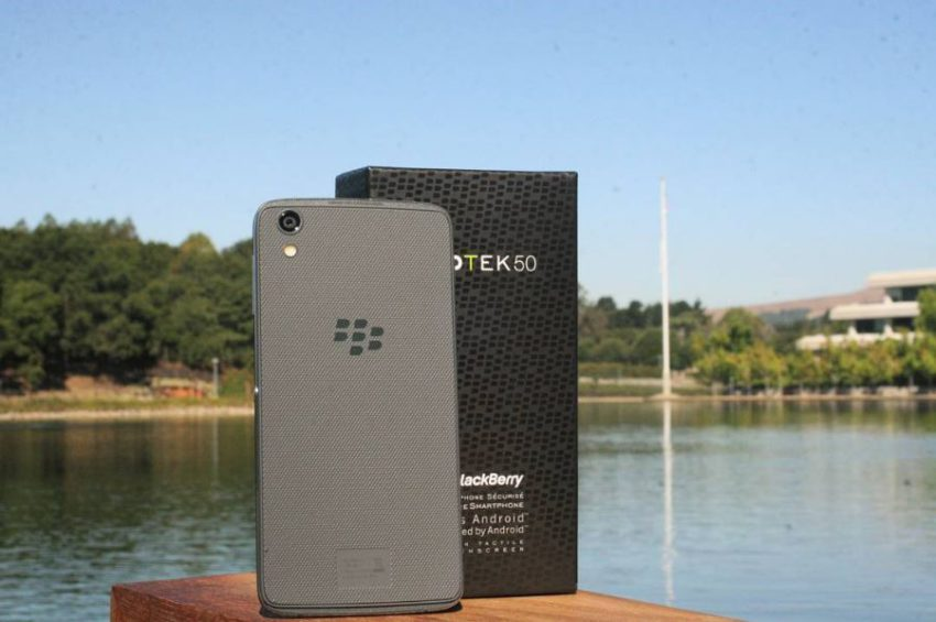 blackberry_dtek50_box