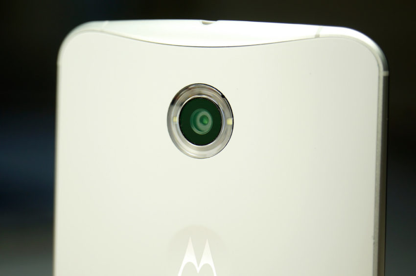 nexus_6_white_camera_closuep