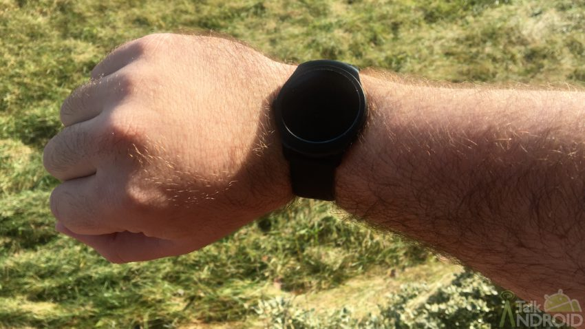 ticwatch2_outdoors_off_1_ta