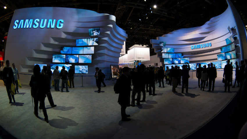samsung_ces_booth_waves