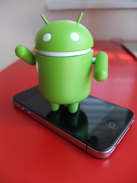 Bugdroid-and-iPhone