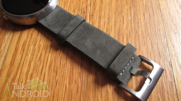 Moto_360_Grey_Leather_Strap_Buckle_TA