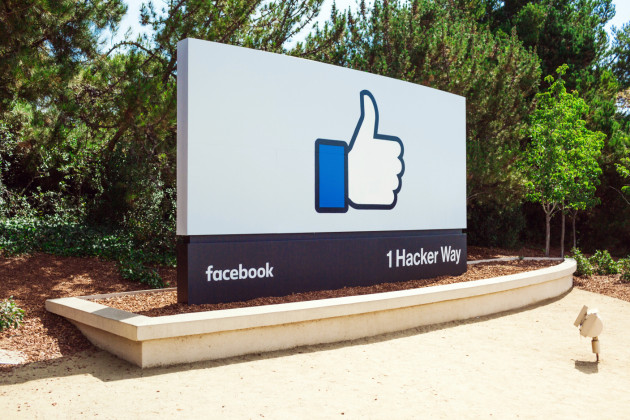 facebook_1_hacker_way_entrance