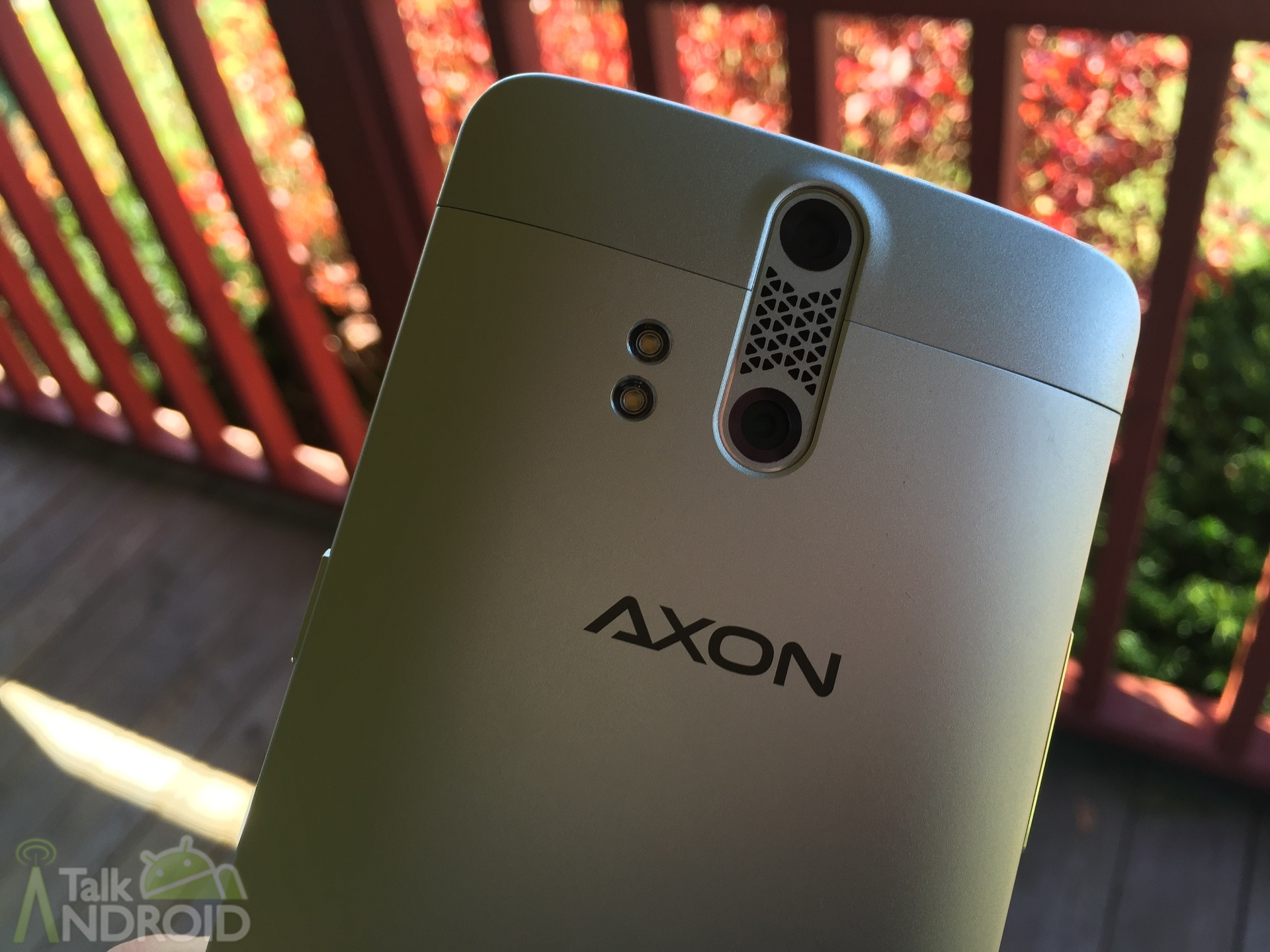 ZTE Axon and Axon Pro Update as a Camera App Renewed