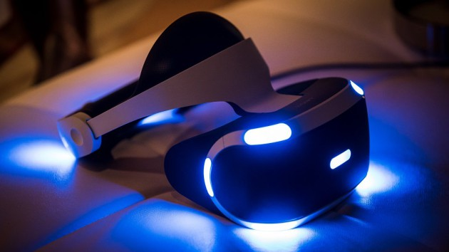 sony_playstation_vr_headset_glowing