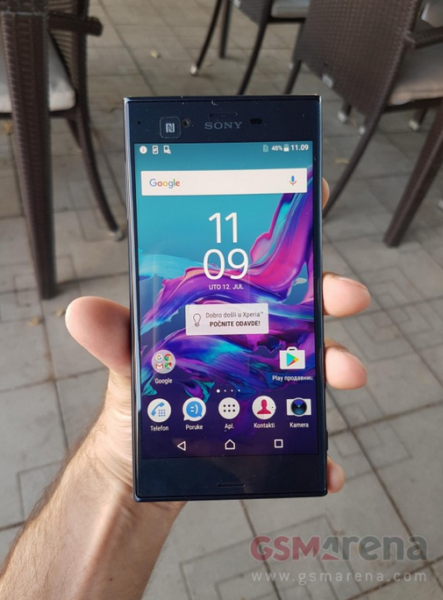 sony_xperia_f8331_first_look_1
