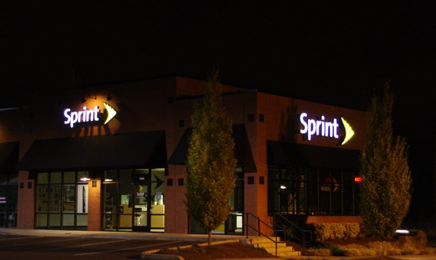 sprint_store_nighttime