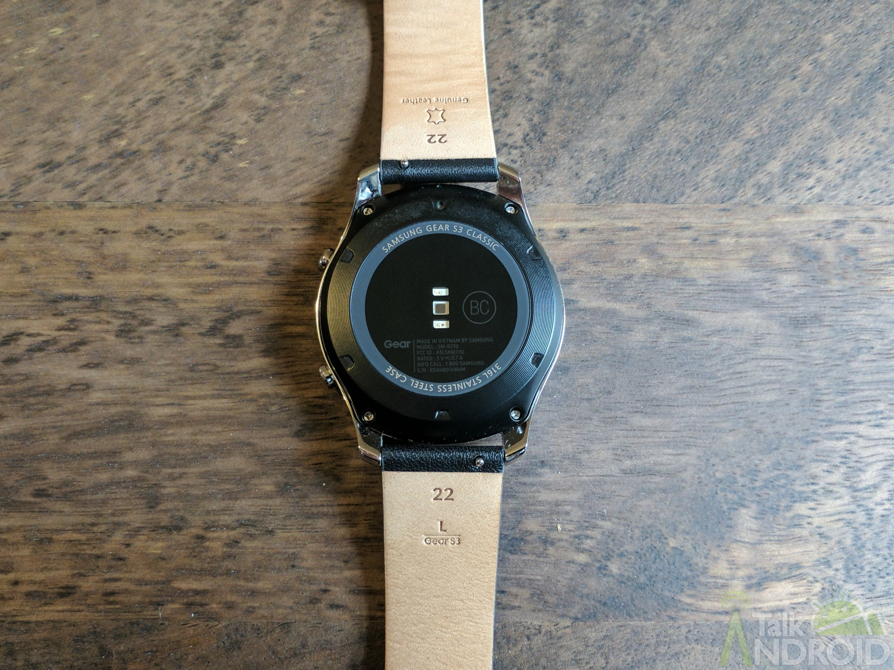 Samsung Gear S3 Classic Review A Great Smartwatch If You Use Silver The Face Of Is An Attractive Mix Shiny And Brushed Metal With Relatively Narrow Bezel That Also Acts As Rotating Dial For