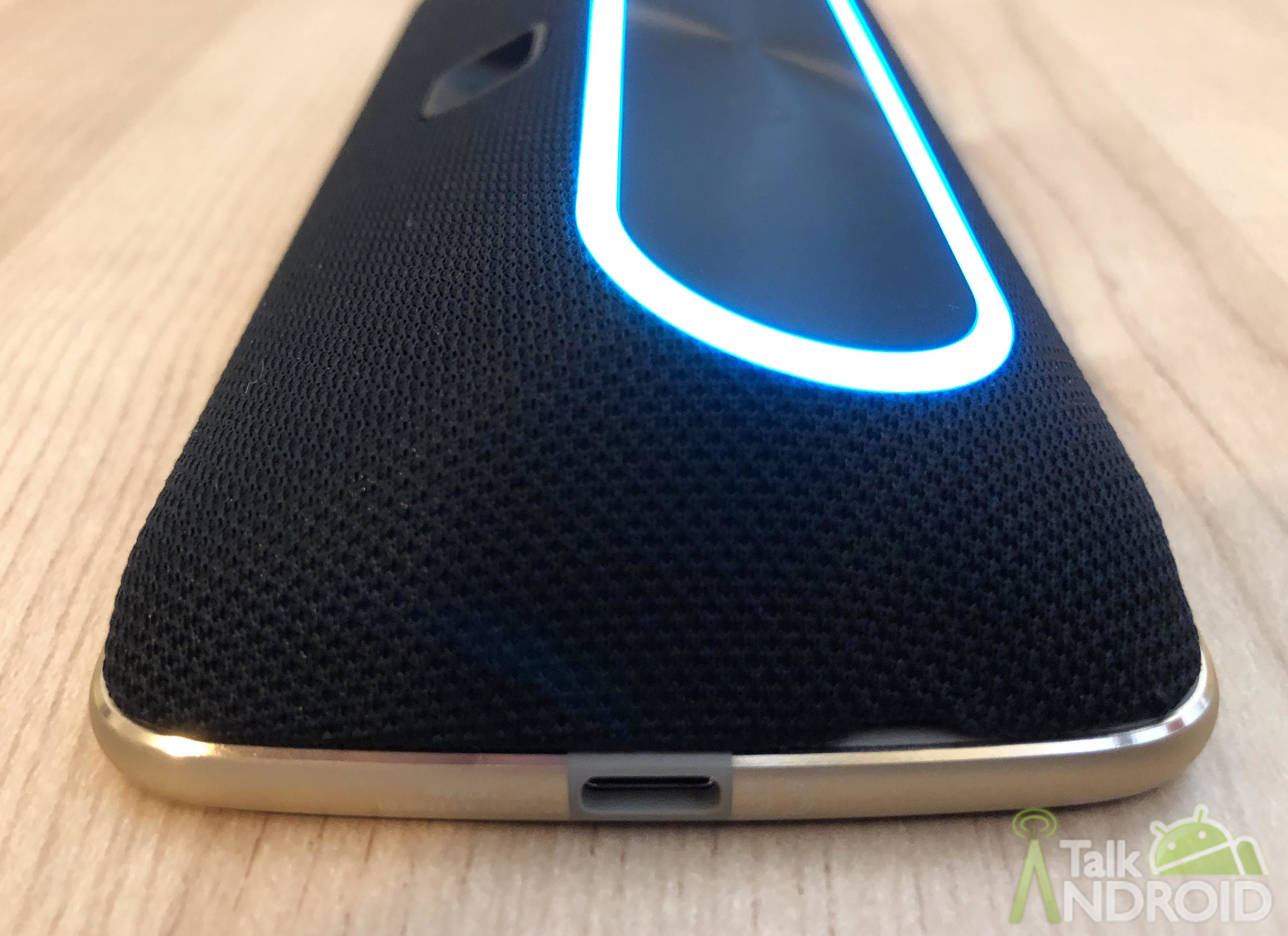 Amazon Alexa Moto Mod review: A decent product in a bulky