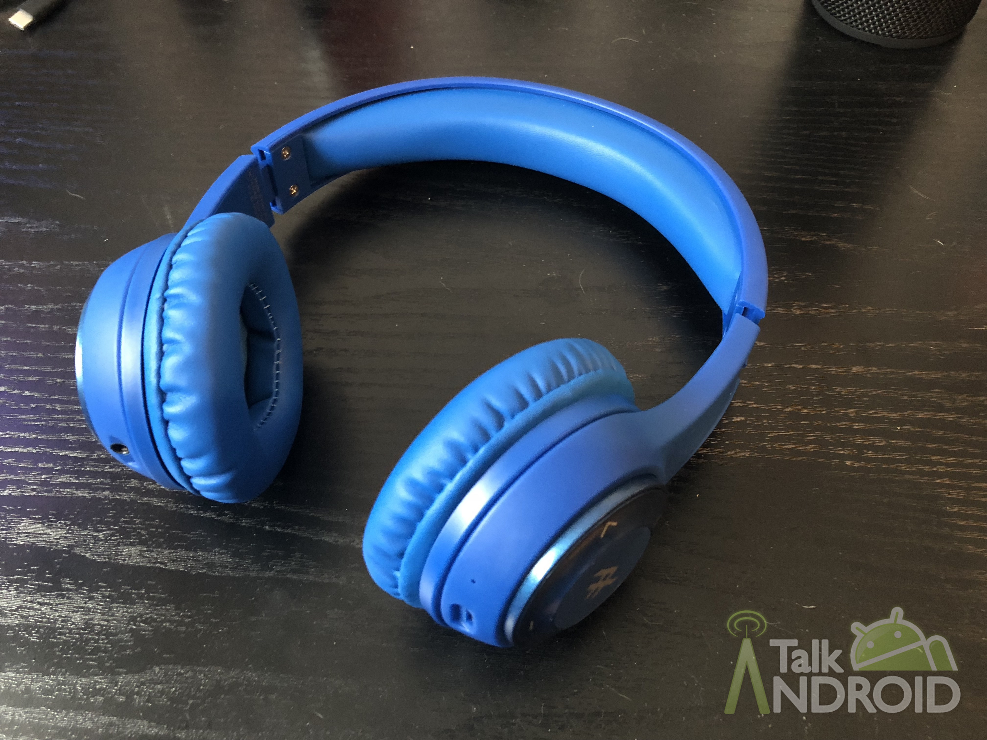 102321d3f2b iFrogz has built a reputation for building decent accessories for your  mobile devices without outrageous price tags. We've reviewed a few sets of  headphones ...
